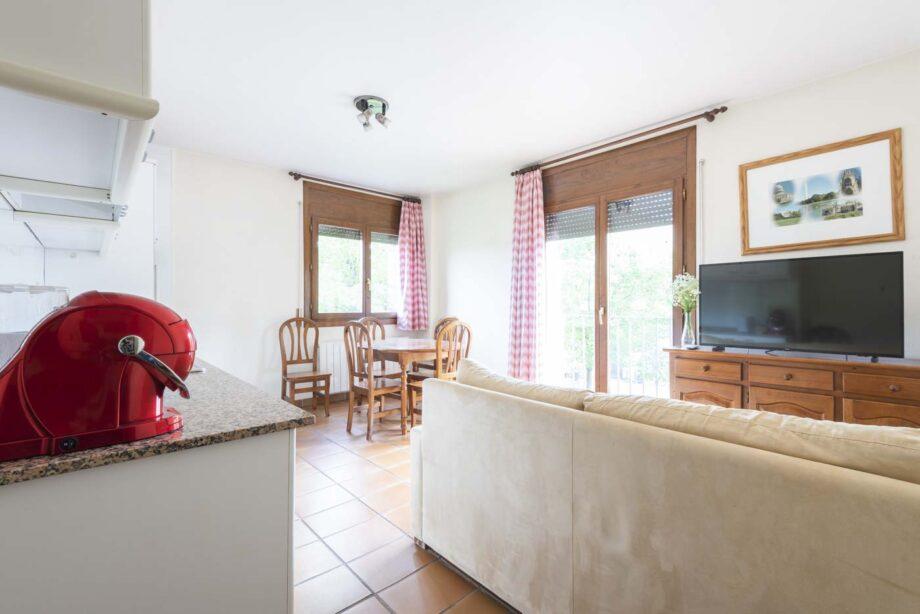 apartamento-102-3-habitaciones-dobles-6-pax-1-cama-supletoria_01