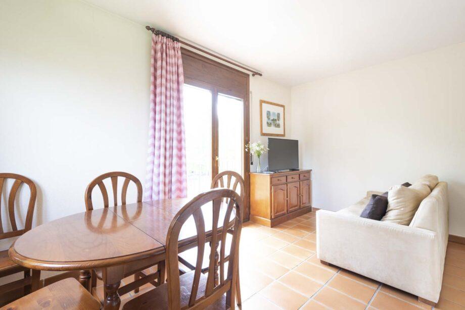 apartamento-102-3-habitaciones-dobles-6-pax-1-cama-supletoria_02