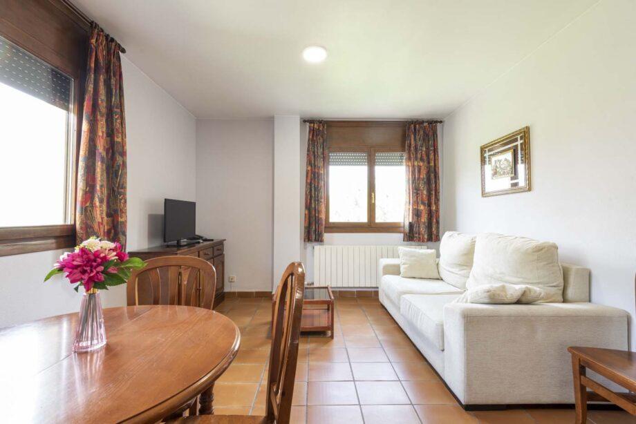 apartamento-201-2-habitaciones-dobles-4-pax-1-cama-supletoria_02