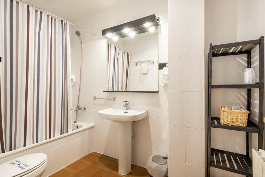 apartamento-201-2-habitaciones-dobles-4-pax-1-cama-supletoria_09
